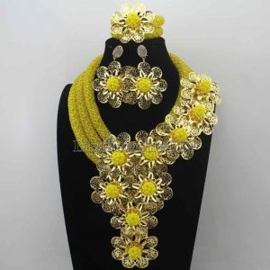 https://afroart.co.uk/wp-content/uploads/2018/12/African-New-Mix-Crystal-Costume-Women-Jewelry-Set-Beads-Flowers-Statement-Necklace-Set-for-Party-Free-19.jpg_640x640-19.jpg